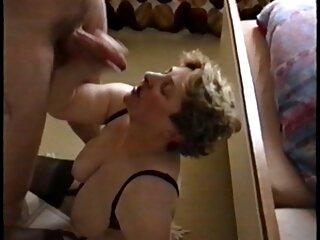 Atractiva rubia bailando video hentai sub español striptease