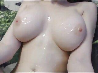 Rubia de peliculas porno japonesas sub español aceite se acaricia