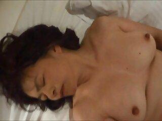Maestra encontró bragas para la linda estudiante Iggy porno en español subtitulado Amore