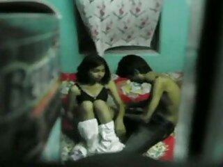 MILF complace la polla de su marido con los pies videos lesbicos subtitulados