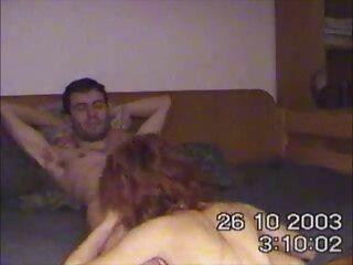 MILF sub porno en español rubia se complace con un consolador en cámara