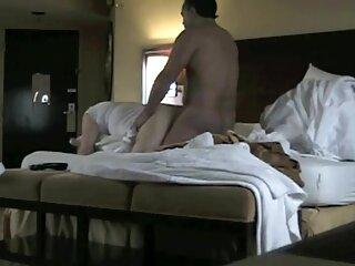 Los chicos masajearon el coño de porno madres sub español una japonesa antes del coito