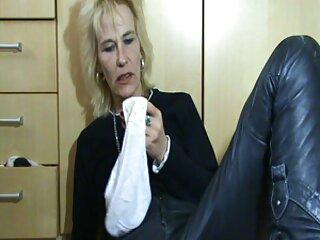 Milf se pone un dildo en la webcam brazzers sub español