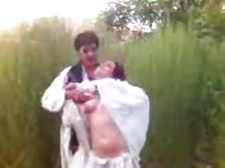 Holly Wellin atacada por una xxx subtituladas en español polla negra
