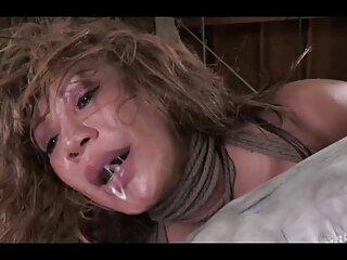 Daisy Haze se masturba peliculas xxx subtituladas español con los pies de un enano