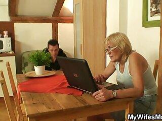 Novia levantó su polla con videos xxx subtitulados español su pie