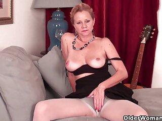 Roxanne Rae follada por hentai subtitulado un extraño negro