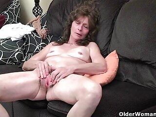 Ashlynn Leigh y Nicki Blue adoran lamer xxx subtitulado el culo y las cosas de hombres