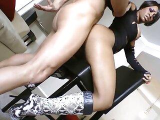 La hentai porno subtitulado en español rubia tiene dos negros