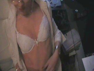 Chica sexy masturba su clítoris con un peliculas incesto subtituladas vibrador