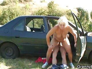 Rubia con curvas grita porno hentai subtitulado español desde un pene grande