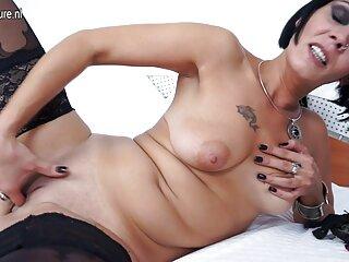 Jessie Rogers mostró hentai sin censura subtitulado un cuerpo perfecto durante la masturbación