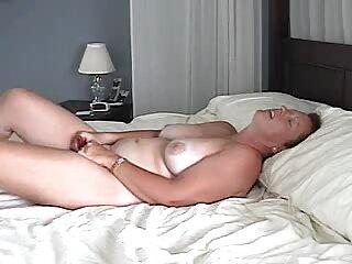 El doctor organizó un creampie porno gratis subtitulado para el paciente.