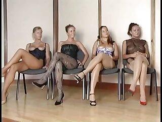 Mary Jean en el sofá con videos de incestos subtitulados en español un chico